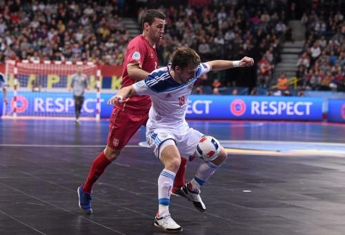 Daniil Davydov of Russia and Aleksandar Živanovic of Serbia during their UEFA Futsal EURO 2016 semi-final